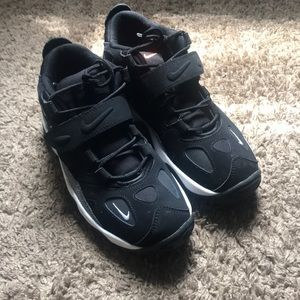Size 6 boys turbo max Nike's